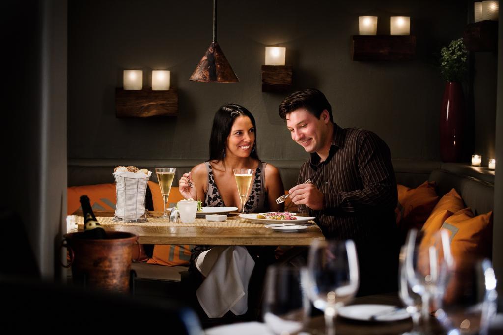 Приглашение на ужин: 3 способа позвать вторую половинку на романтическое свидание