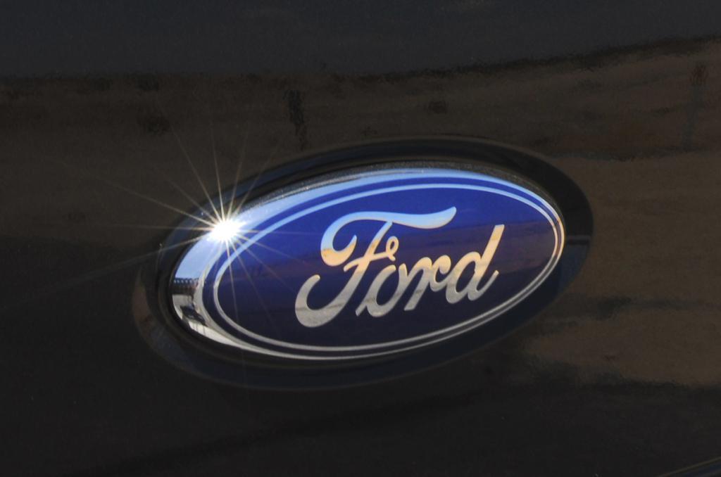 наклейки логотип форд