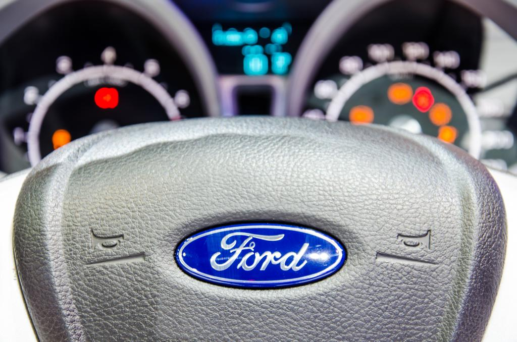эмблемы форд на капот