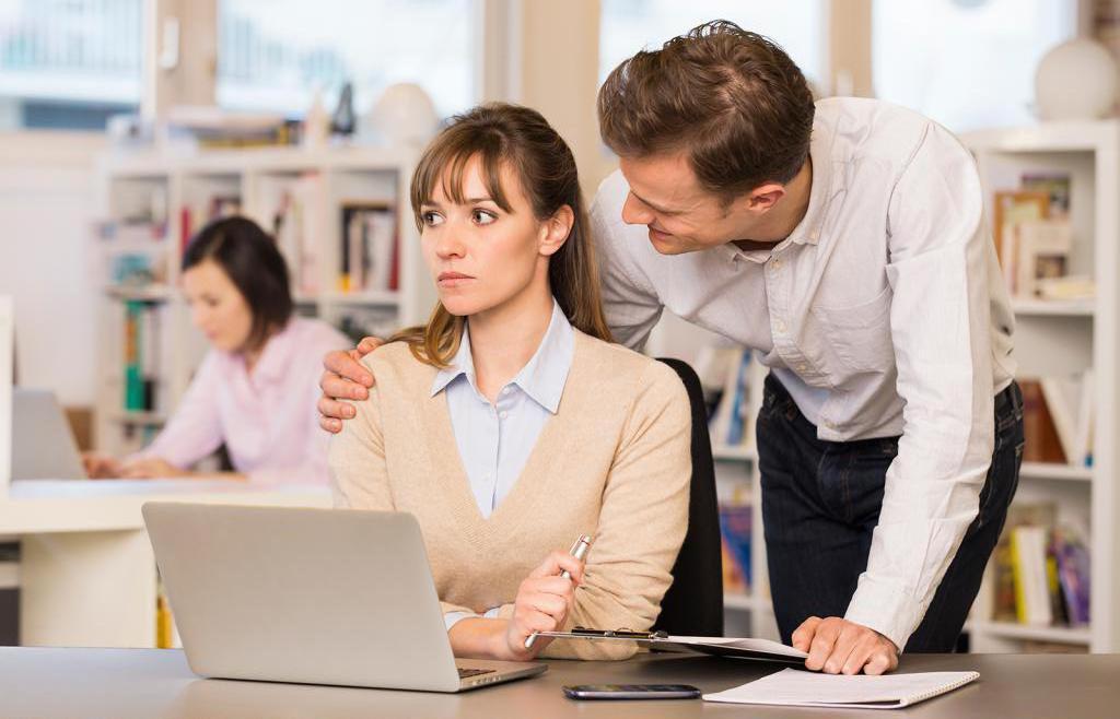Сексуальное домогательство на работе. Статья 133 УК РФ. Понуждение к действиям сексуального характера