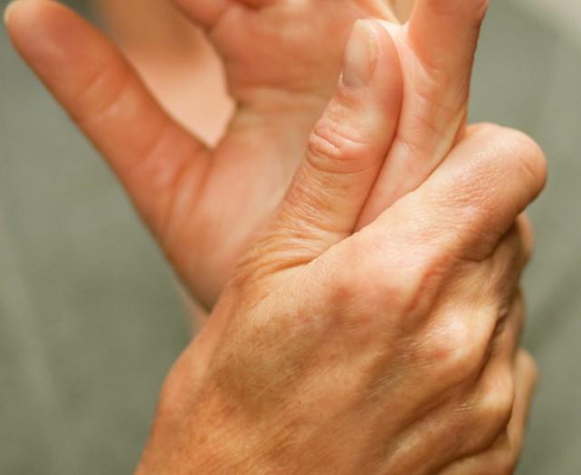 почему ночью немеют руки и пальцы