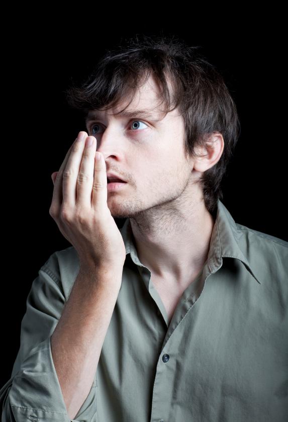 Запах мочи изо рта у взрослых и детей: причины, возможные заболевания, методы устранения