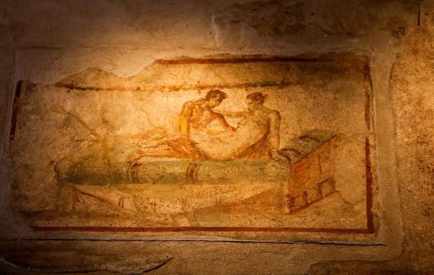 Как занимались сексом в древности: особенности интимной жизни