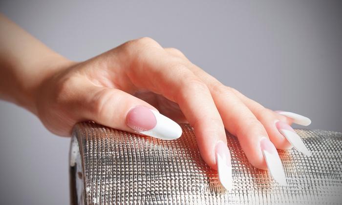 Стоит ли наращивать ногти: за и против, возможные последствия, отзывы