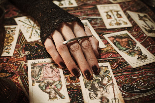 fortune telling at full moon
