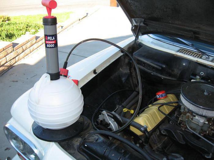 Замена масла в двигателе через щуп своими руками 2