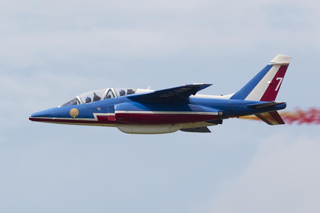 учебный самолет французских ввс