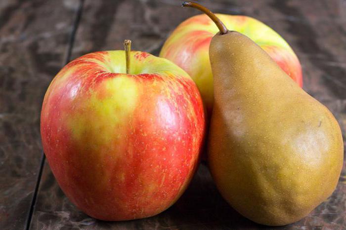 что полезней груша или яблоко для организма