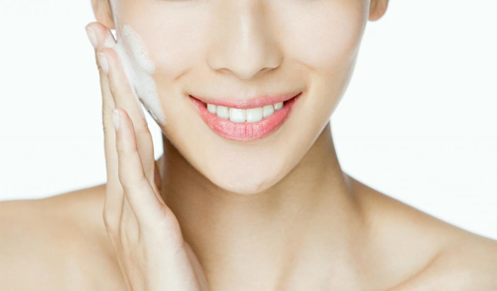 Причины сухой кожи лица. Косметика для сухой кожи лица