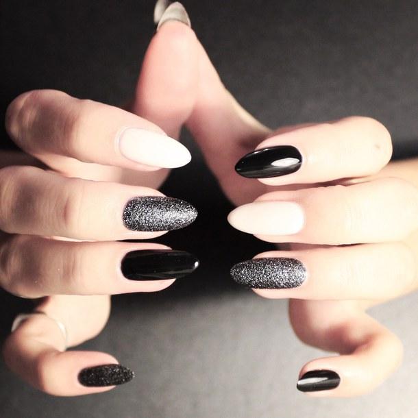 Стильный черно-серый маникюр: идеи и фото