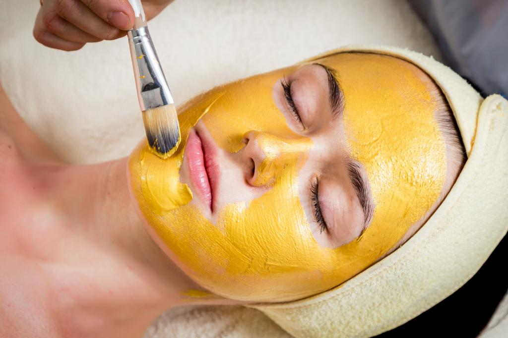 Mask with fish oil