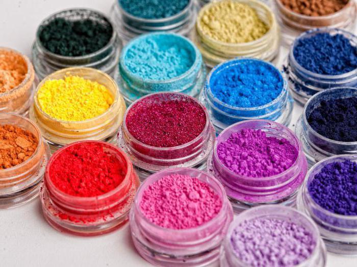 Как покрасить мастику сухими