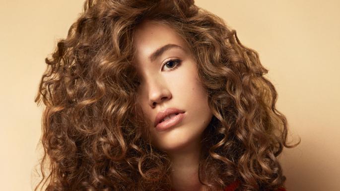 Прикорневая химия на длинные волосы