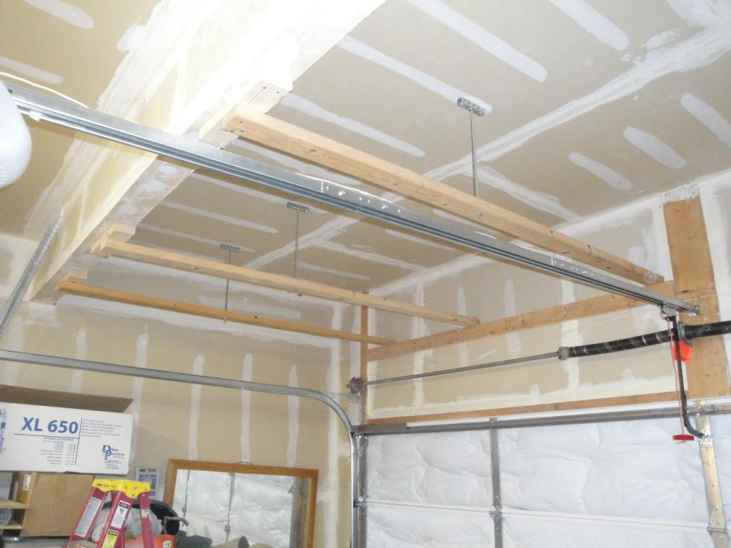 installation of a rack ceiling
