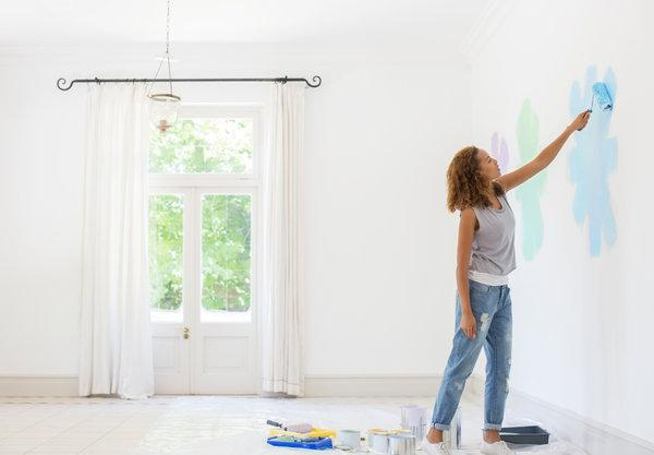 how to paint the walls in the apartment with your own hands