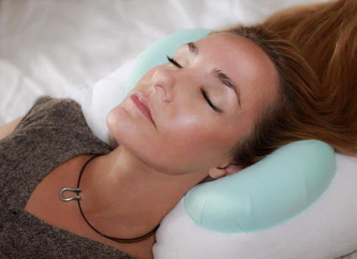 Подушка от морщин на лице: особенности, характеристики и отзывы