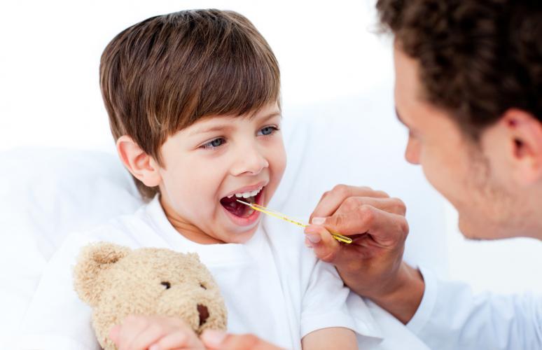 Резкое повышение температуры у ребенка без симптомов: возможные причины, как быстро сбить