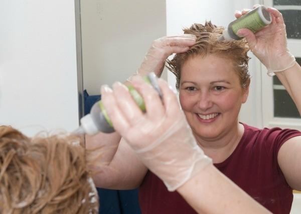 Как отмыть кожу от краски для волос