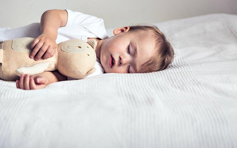 Как уложить ребенка спать 2 года днем