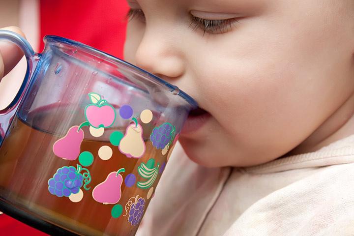 С какого возраста дают сок ребенку