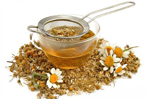 Ромашка грудничкам (чай, настой, отвар): показания к применению, дозировка, противопоказания