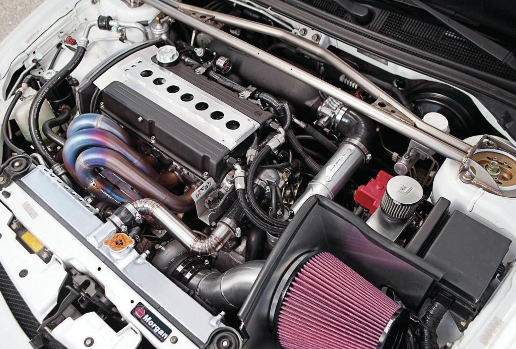 двигатель автомобиля с турбокомпрессором
