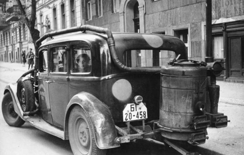 старый экземпляр авто с газогенератором