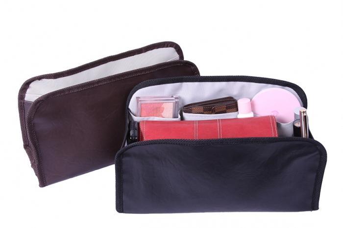 Органайзер для сумки может быть сшит самостоятельно любой, пожелавшей это выполнить женщиной даже без специальных...