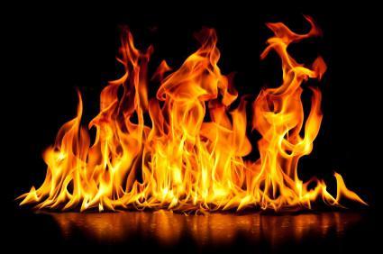 к чему снится пожар в доме знакомых