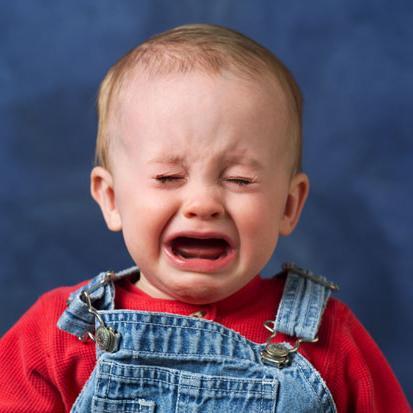 Почему ребенок после купания плачет