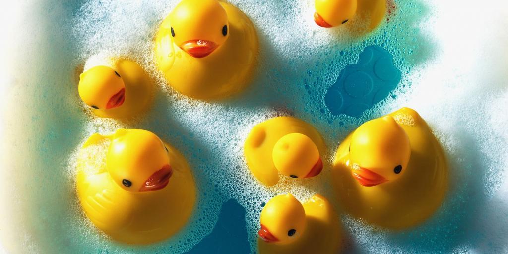 Морская соль для ванн для детей: обзор, особенности применения и полезные свойства