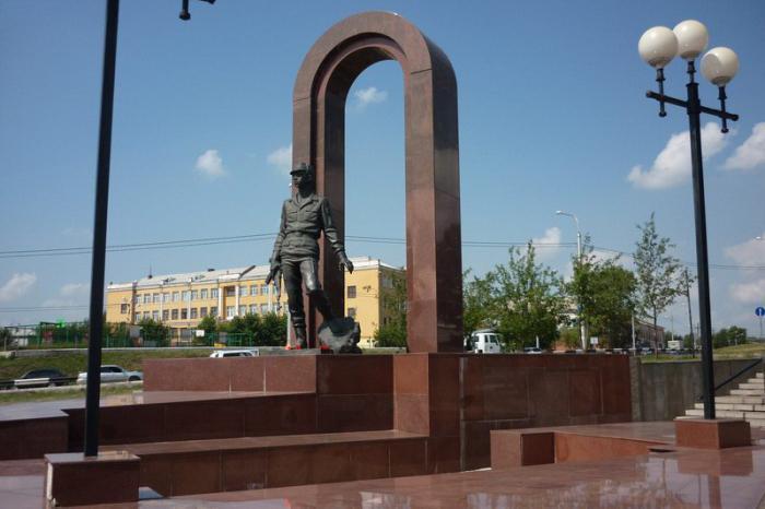 памятники города красноярска