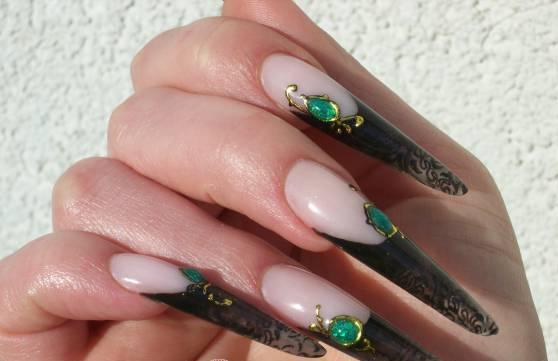 жидкие камни на ногтях фото