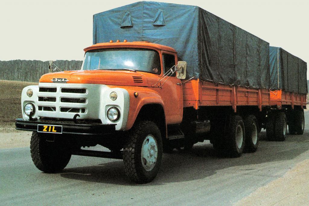 Автомобиль ЗИЛ-130 мог перевозить груз весом до 6 тонн