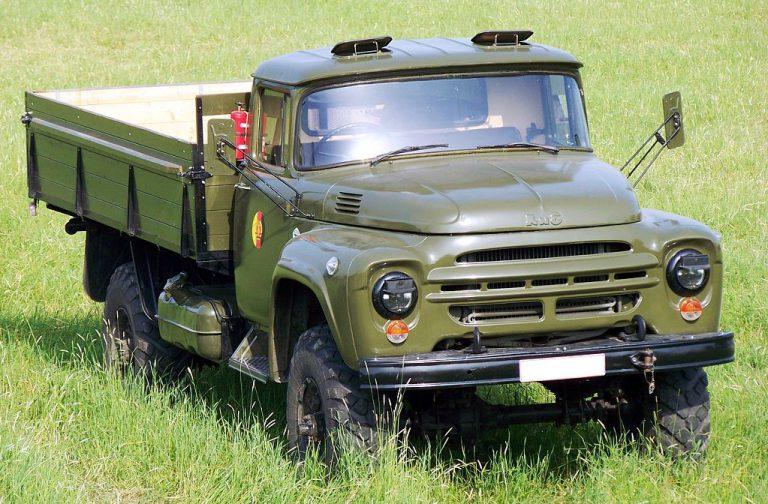 Армейский ЗИЛ-130