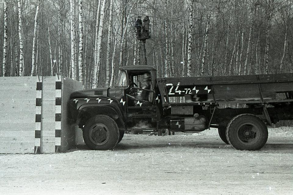 Краш-тест грузовика ЗИЛ-130