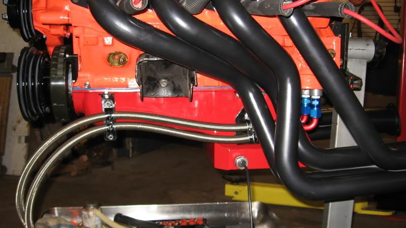 Перед разборкой мотора необходимо отсоединить от него все шланги
