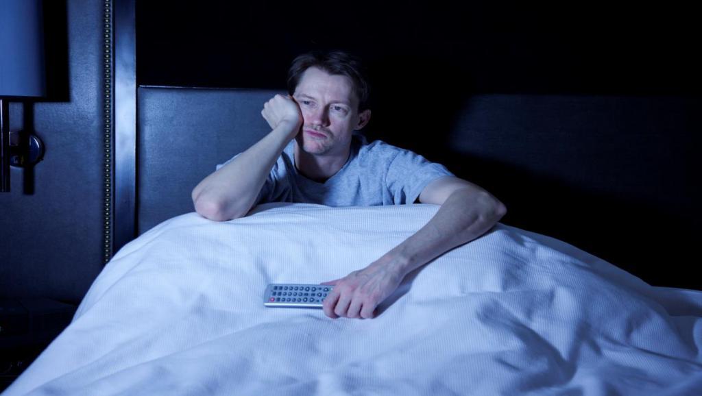 men have insomnia