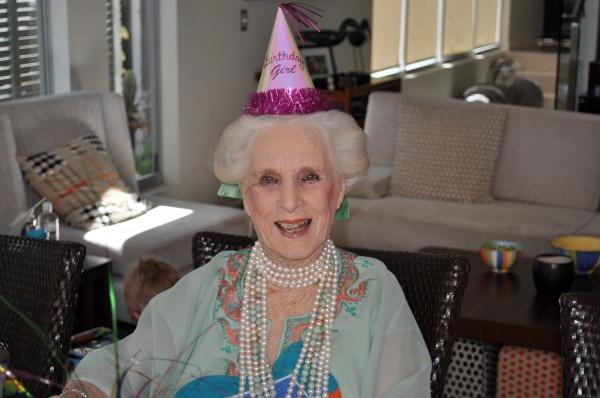 на день рождения сценарий для бабушки
