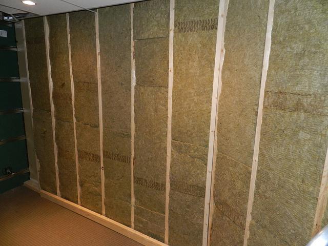 утепление стен гаража изнутри