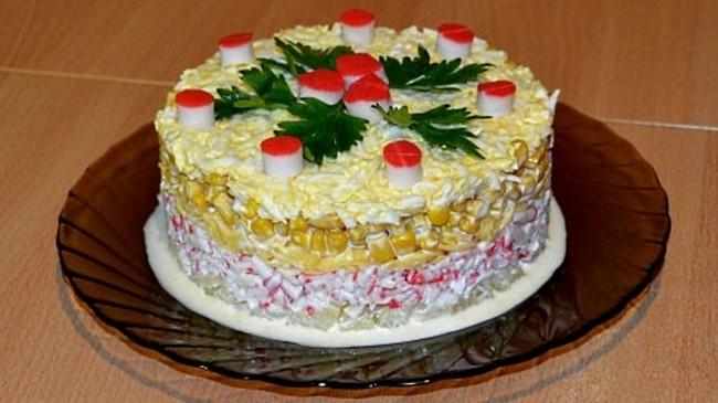 Салат из крабовых палочек ананаса сыра слоями