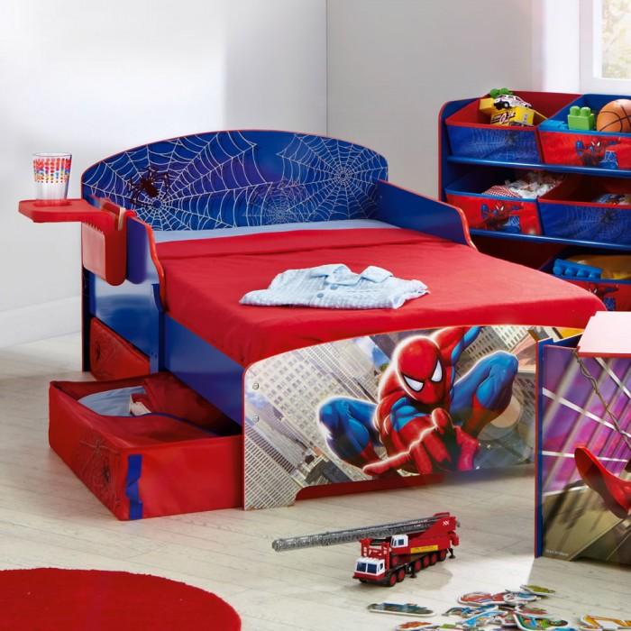 кровать с человеком-пауком