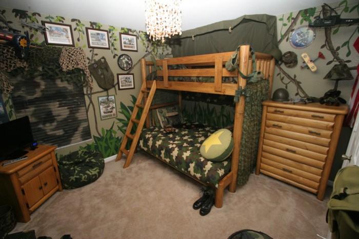комната в военном стиле
