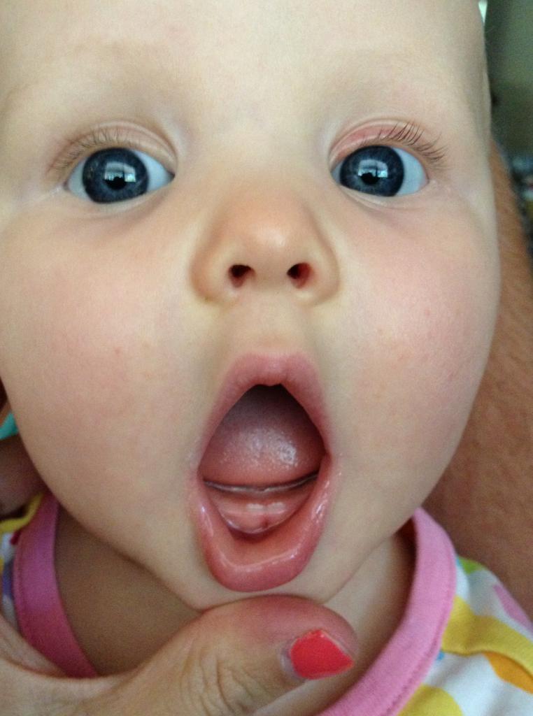 Картинки первые зубки у детей фото, телефон