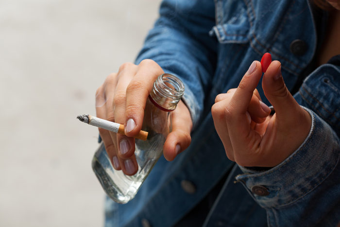 a personal opinion on the concept of addiction to smoking and drinking Alcohol, gender and drinking problems: perspectives from low and middle income do not imply the expression of any opinion whatsoever on the part of the world.
