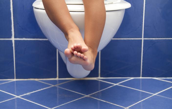 Лечение цистита у девочек: симптомы, причины, последствия, медикаментозные и народные методы лечения