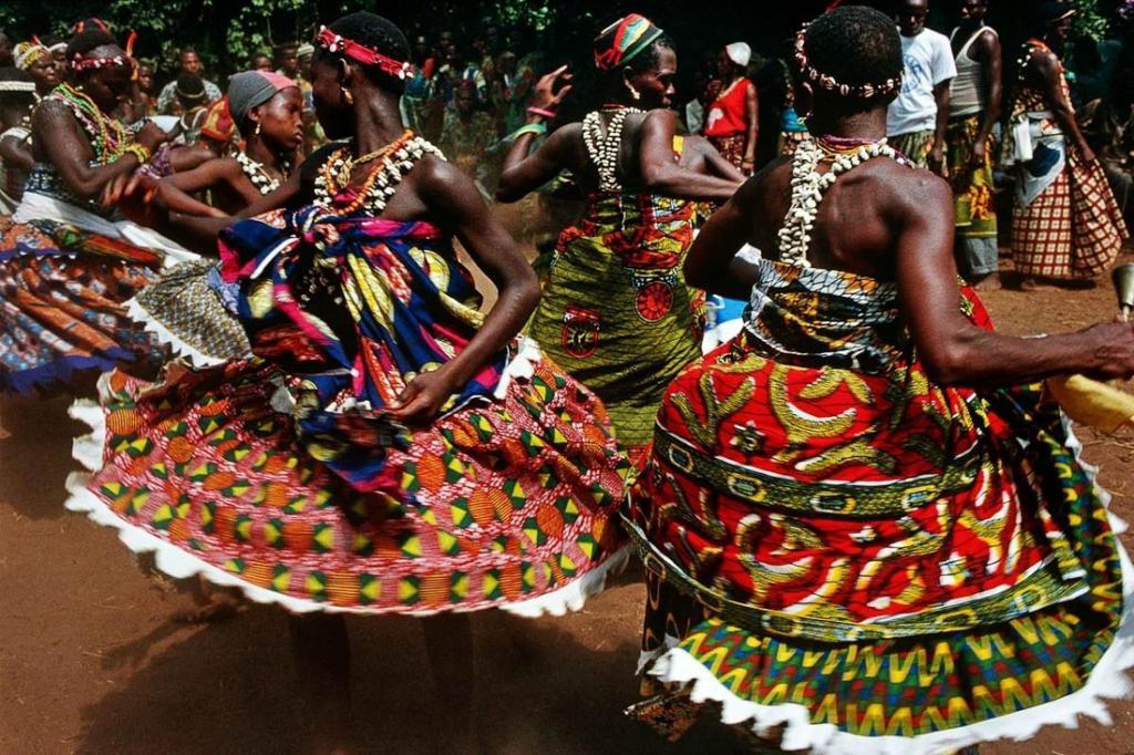 танец во время ритуала вуду