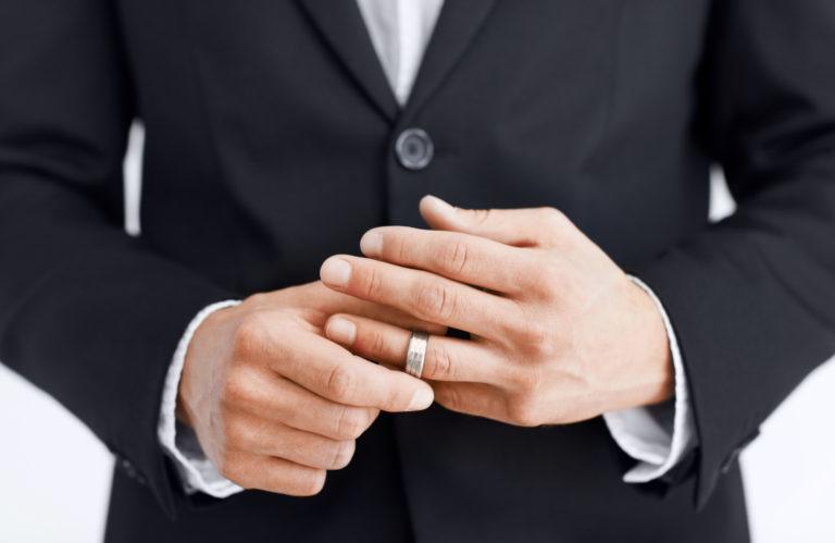 Как женатому мужчине завести любовницу: психологические приемы и советы. Где найти любовницу