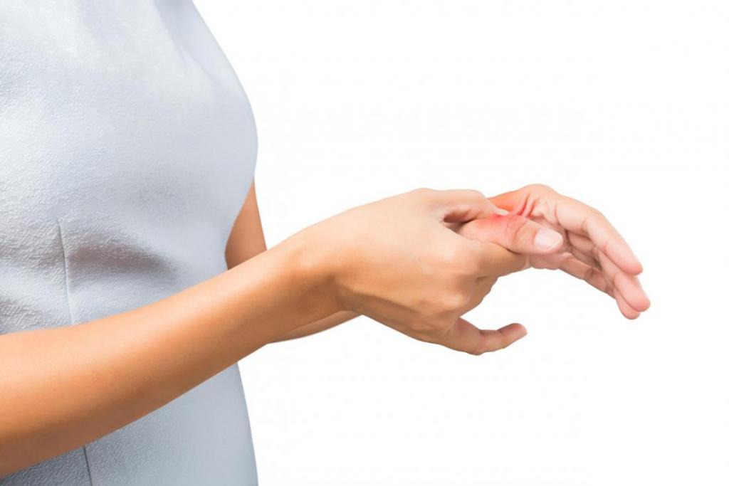 покалывания в большом пальце левой руки