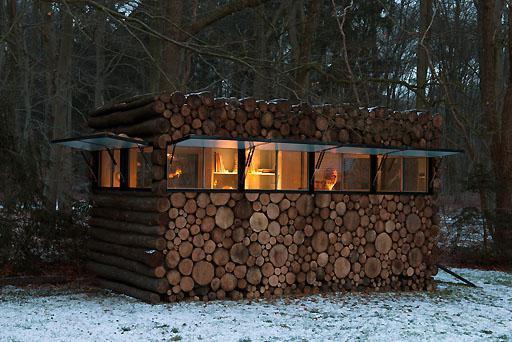 Как правильно вставить окно в деревянном доме
